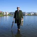 Jón Gnarr walks on water. By Baldur Kristjánsson