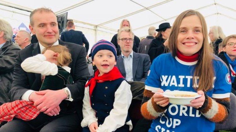 #SmiteTheWorld Daily: Hero Hannes, Viral Rúrik, Iceland's Prez & PM Watch At Home, & More