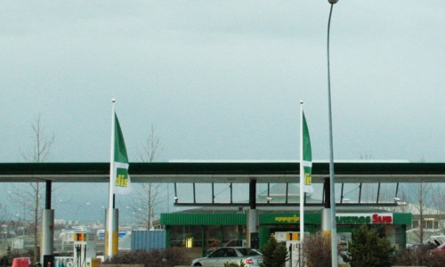 Fuel Prices Drop Less In Iceland Than Globally