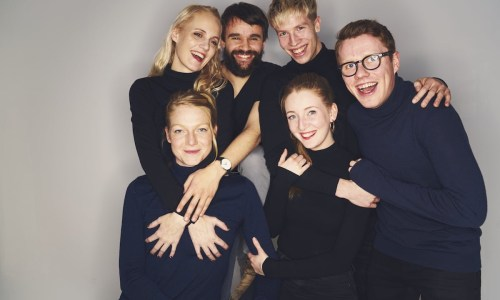 Impromptu, Pronto! Improv Comedy Hits The Stage In Iceland