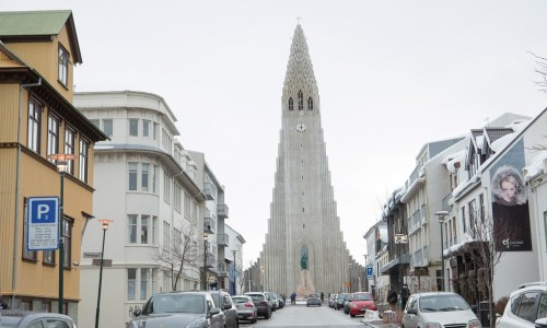 As Many Tourists Stay Airbnb As In Hotels In Reykjavík