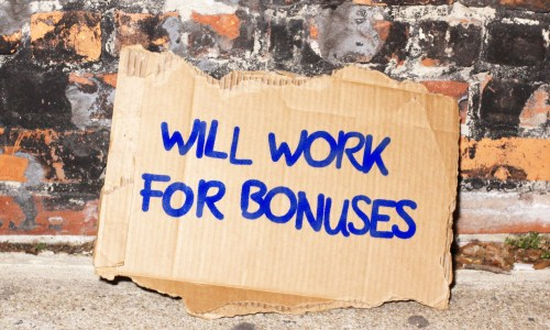 For & Against: Bonuses For Bankers