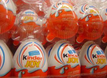 Hur man väljer den snygga överraskningen med en seriell leksak: Hur man får reda på vad leksak i Kinder Spell och hitta rätten