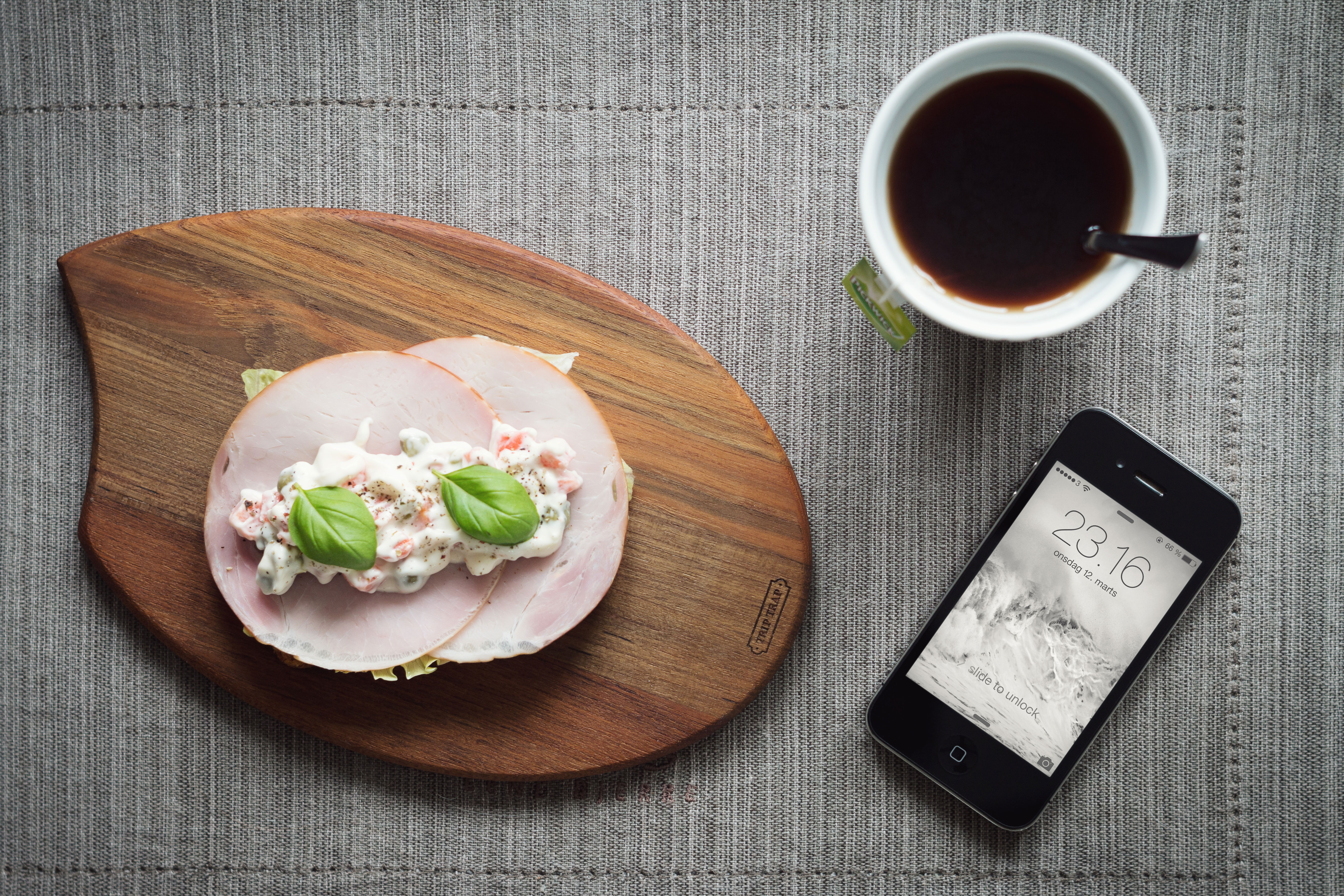 iPhone Photography MockUp  GraphicBurger