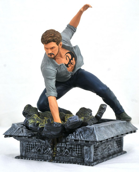 Marvel TV Gallery Netflix Defenders Iron Fist PVC Diorama