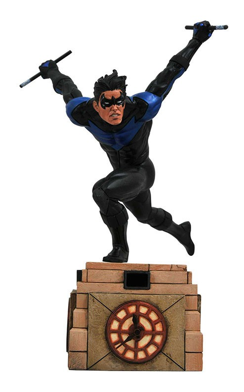 DC Comic Gallery Nightwing PVC Diorama