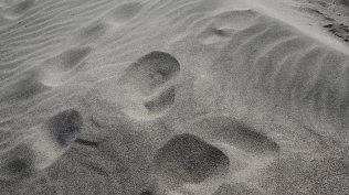 Broken waves of sand