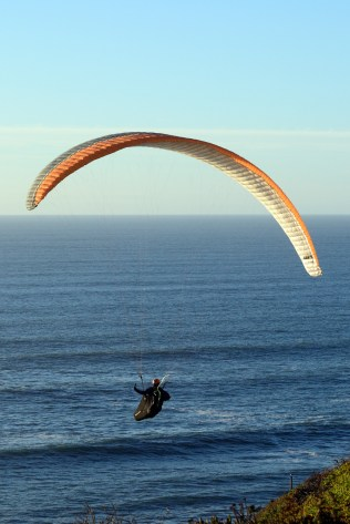Paraglider over Mussel Rock, Daly City, CA