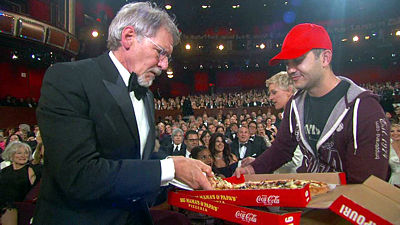 Harrison Ford Gets Pizza