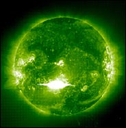 //graphics7.nytimes.com/images/2003/10/29/science/29cnd-flare.184.jpg' cannot be displayed]