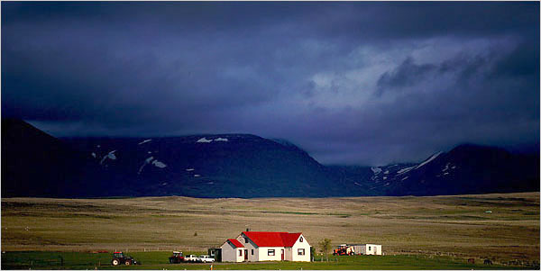 https://i0.wp.com/graphics8.nytimes.com/images/2006/06/18/travel/escapes/18iceland_600.jpg?resize=600%2C301&ssl=1