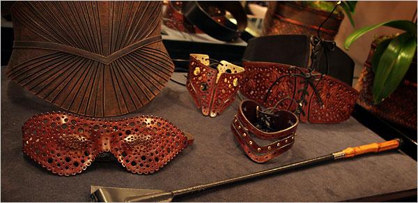 https://i0.wp.com/graphics8.nytimes.com/images/2006/07/13/fashion/13kiki.xl.jpg