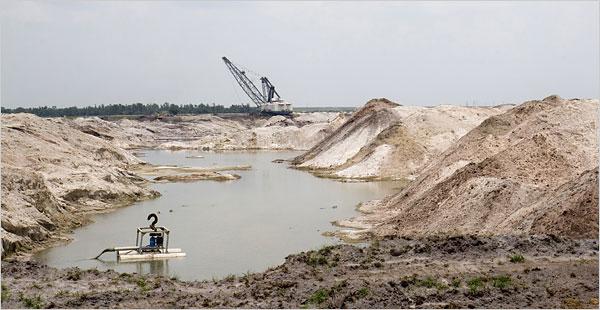 En fosfatgruva i Hardee County i centrala Florida. Sjuttiofem procent av det fosfat som används i Förenta Staterna kommer från denna region.