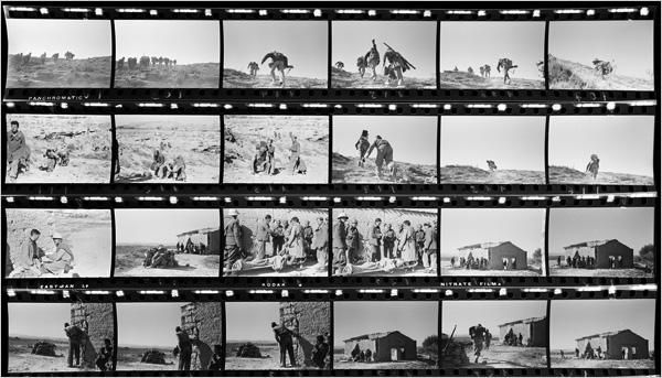 Una sequenza degli scatti di Robert Capa dalla battaglia di Rio Segre. I negativi bennero recuperati dallIinternational cebter of Photography nel 2007