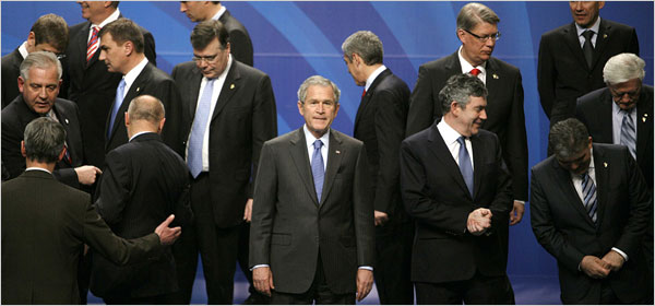 George W. Bush looks stupid with other world leaders