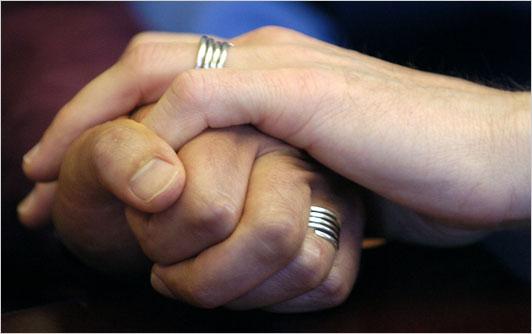 https://i0.wp.com/graphics8.nytimes.com/images/2008/06/09/health/wedding533.jpg