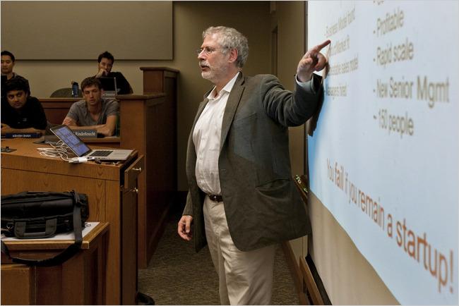 Steven Blank giảng dạy tại Berkely. Từ 1978, ông  vừa là nhà sáng lập và nhân viên đầu tiên cho 8 công ty start-up