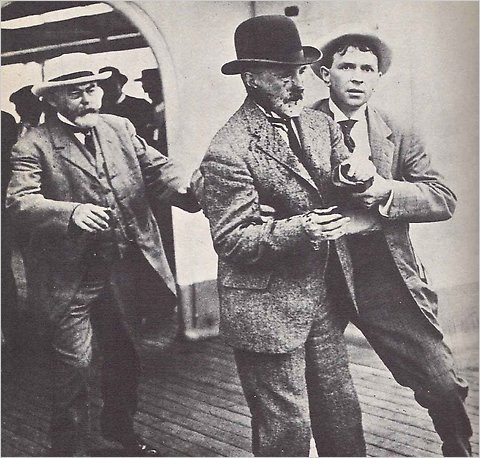 Mayor William Jay Gaynor moments after being shot on August 9, 1910.