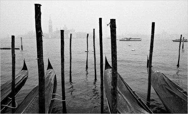 https://i0.wp.com/graphics8.nytimes.com/images/2010/11/28/travel/Venice/Venice-articleLarge.jpg?w=900