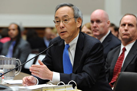 Steven Chu, the secretary of energy, testifying on Thursday before a House Energy and Commerce subcommittee.