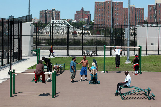 https://i0.wp.com/graphics8.nytimes.com/images/2012/07/01/nyregion/01PLAYGROUND2/01PLAYGROUND2-popup.jpg