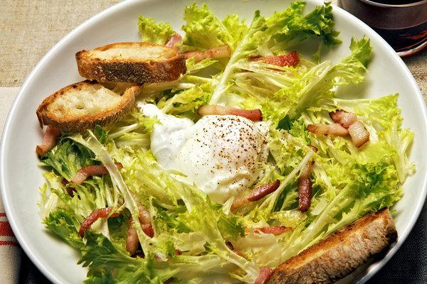 Frisée aux Lardons (Curly Endive With Bacon and Egg)