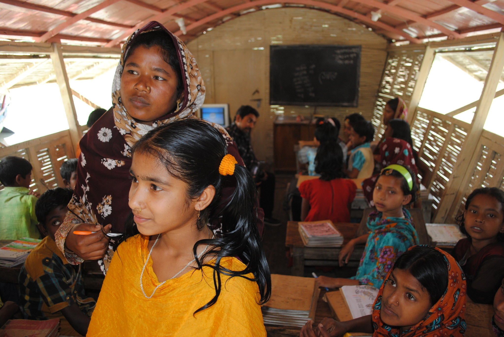 Floating Schools Bring Classrooms to Stranded Students