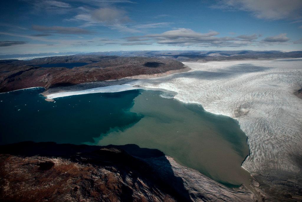 Climate-Greenland-slide-YDQV-superJumbo.jpg