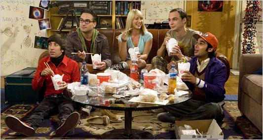 Howard, Leonard, Penny (o contraste), Sheldon e Raj.