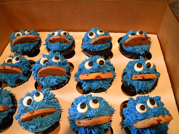 20 Uber Creative Ways To Decorate Your Cupcakes (15)