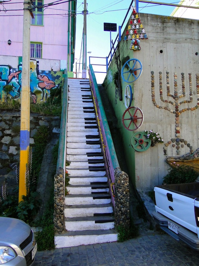 Of The Craziest Street Wall Artwork From Around The World_003