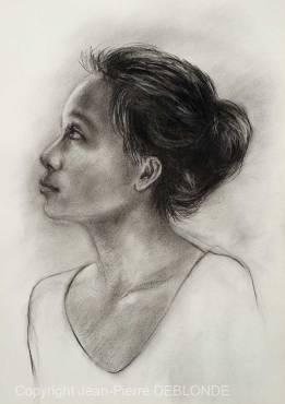 Nova - Portrait au fusain