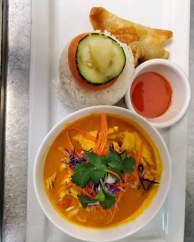 Chicken yellow curry image