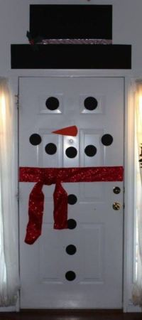 New Year Door Decoration: Ideas and Techniques