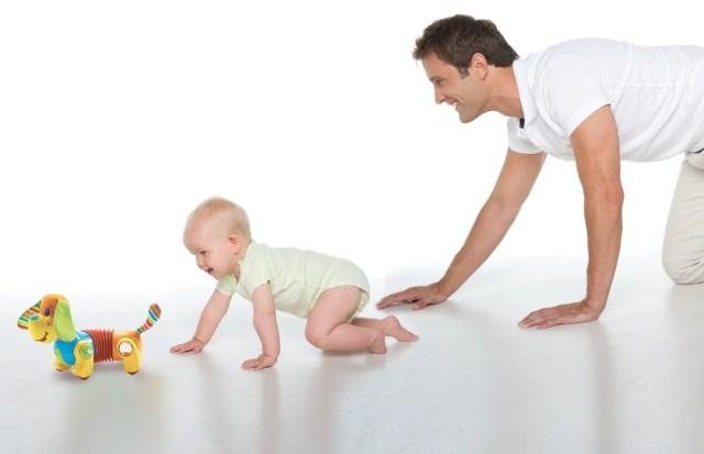 папа и маленький ребенок