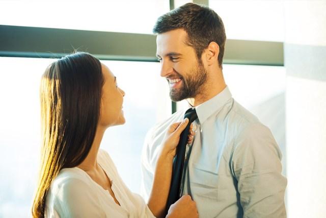 жена хвалит мужа