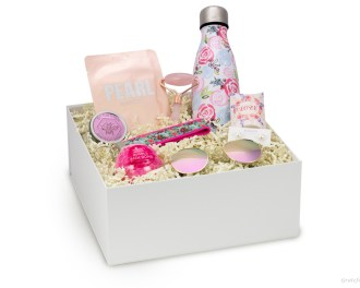 bridesmaid gift box bachelorette roller lotion sunglasses floral keychain pink bottle bath bomb pearl earrings 2
