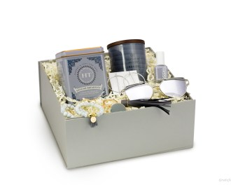gift box for bridesmaid proposal organic breakfast tea soy candle sunglasses hoop earrings for her