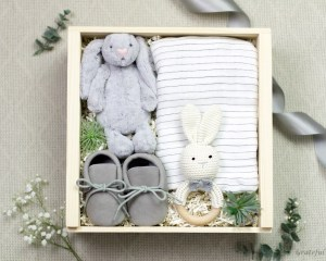 Gift Box Baby Moccasins Grey Rabbit Rattle Cotton Swaddle Blanket Rabbit Plush Toy Newborn Neutral