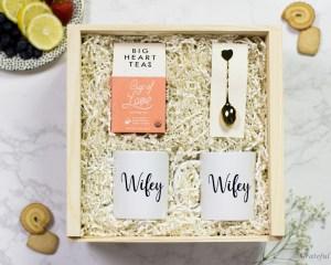 Gift Box Lesbian LGBT Gay Pride Mrs and Mrs Love Tea Wifey Mug Gold Heart Spoon Gift Set