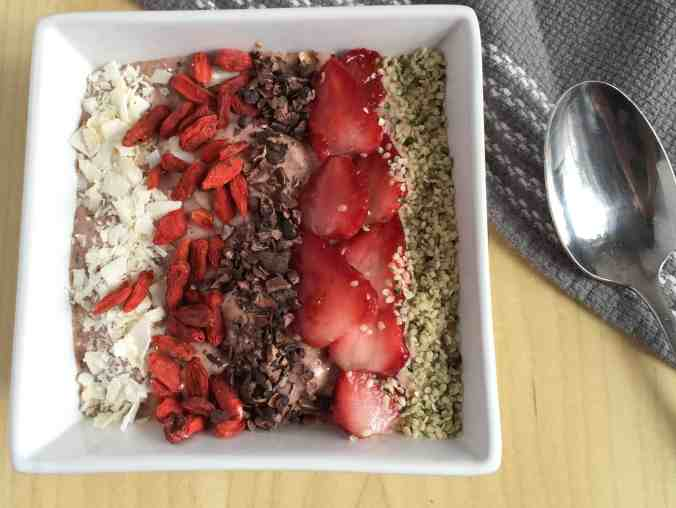 Strawberry Flax Smoothie Bowl | The Grateful Grazer | www.gratefulgrazer.com