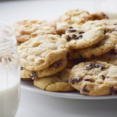 The Best Chewy Chocolate Chip Cookies Ever!