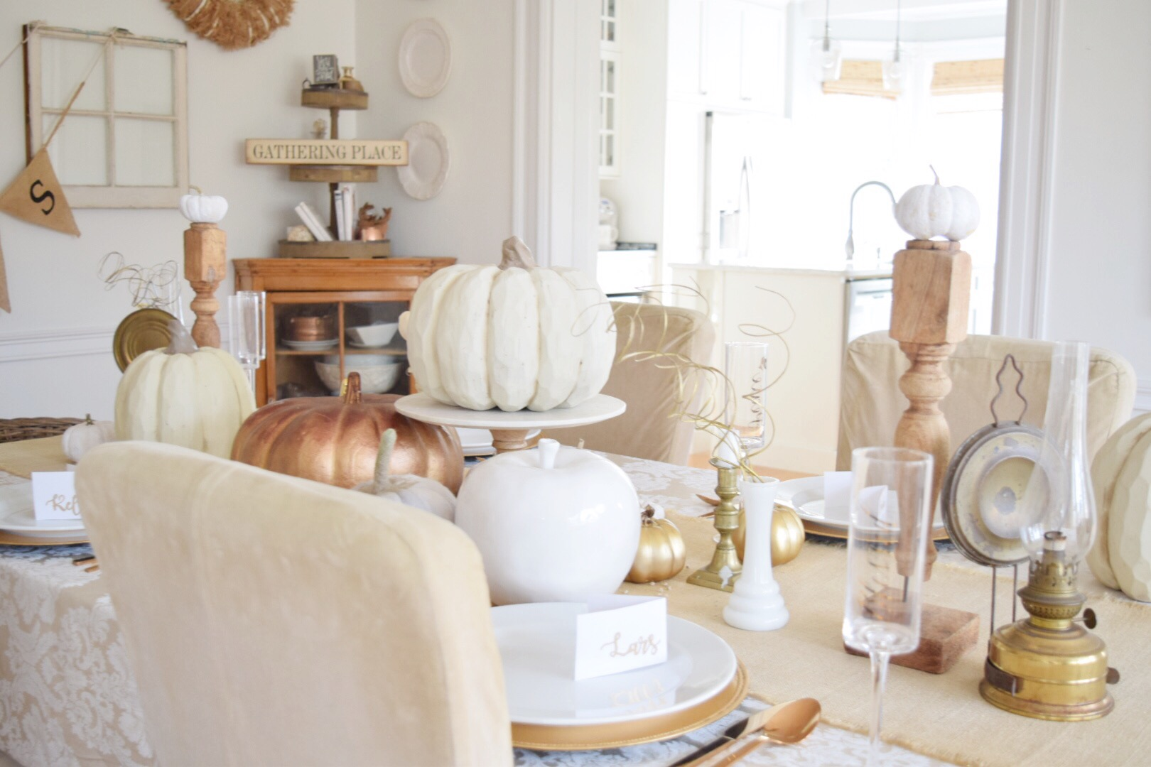 How to set a Beautiful Thanksgiving Table - Gratefully Vintage