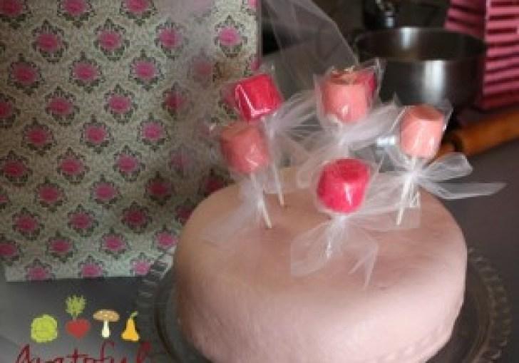 Decorating A Child S Birthday Cake