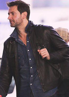 2012 arriving at Wellington Airport for THAUJ premiere