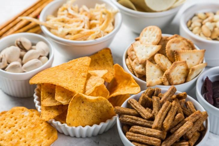 sare chipsuri taco saratele biscuiti sarati deshidratare alimente