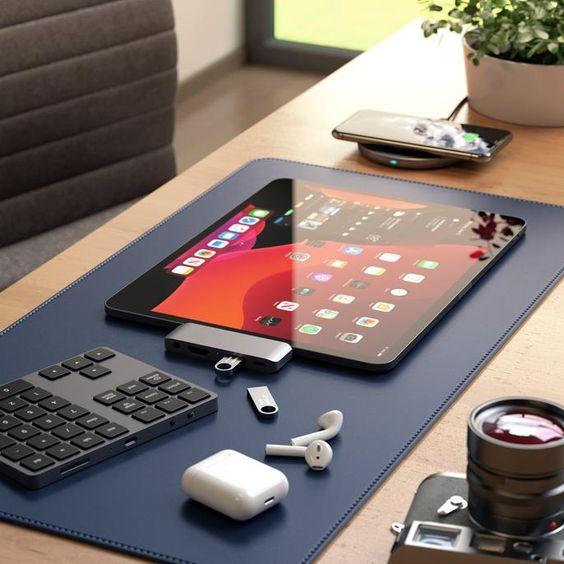tableta, telefon, incarcator wifi, gadget-uri
