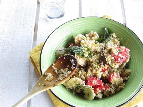 cous cous con vongole pistacchi e pomodorini