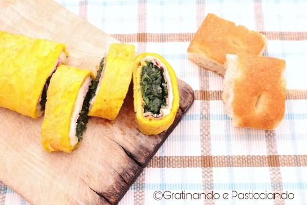 rotolo di frittata con spinaci e prosciutto