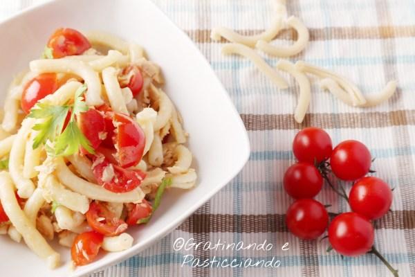 pasta con sgombro e pomodorini